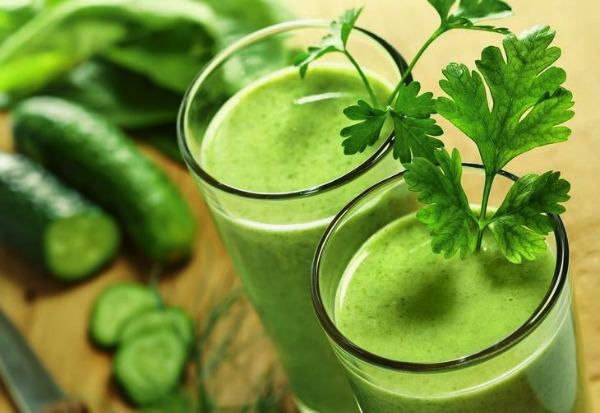 Suco Verde de Couve com Pepino